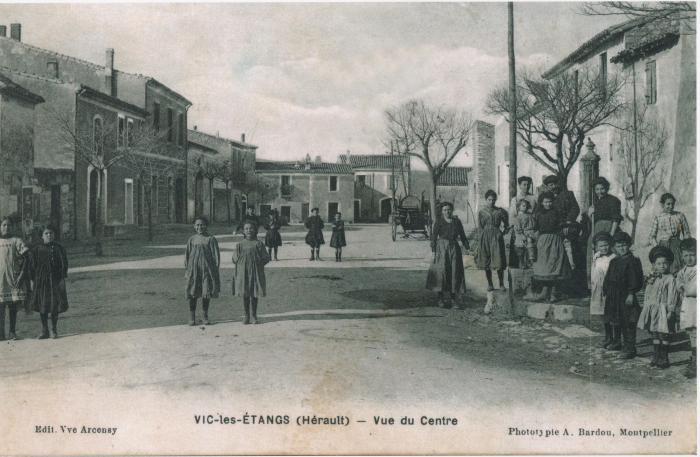 03 - Vic les Etangs-Vue du Centre